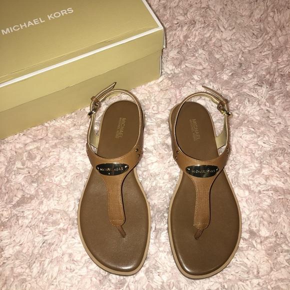 f10cd561731b MK Plate Flat Thong Sandals in Luggage
